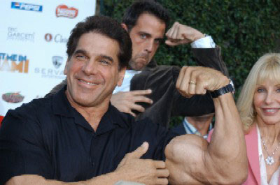 Carlos Ponce Hams it Up with Lou Ferrigno