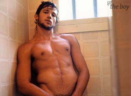 Raphael Laus in the shower